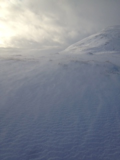 Persistent drifting of new snow
