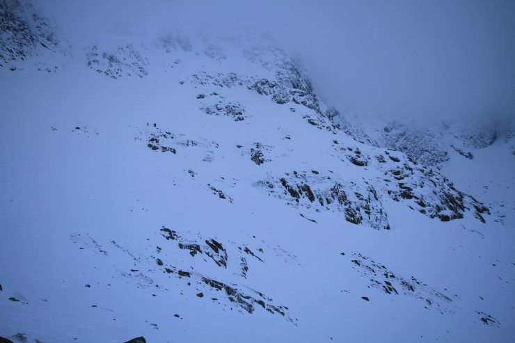 3 climbers traversing in to Central Buttress.