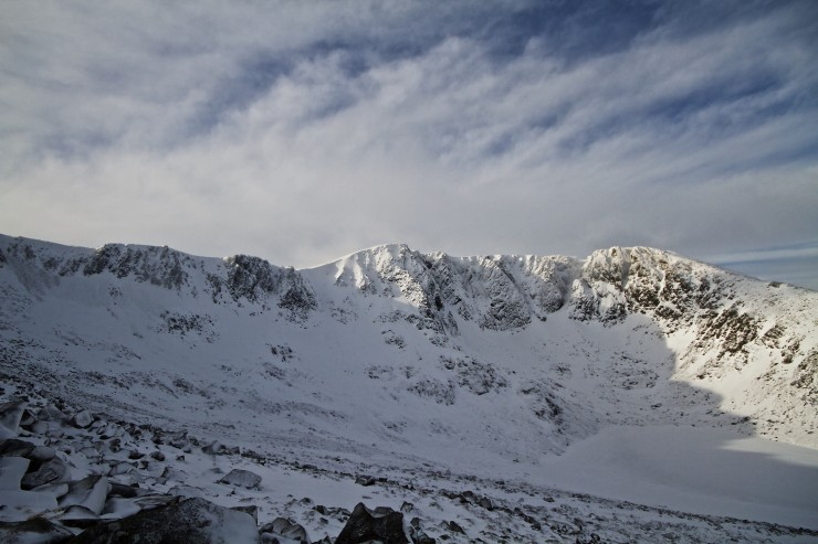 Lochnagar crags looking fine this morning Cornices are fairly big in some locations.