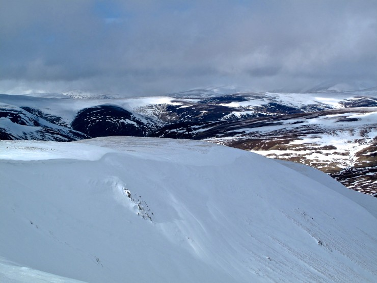 Corrie Rims have been catching the drifting snow. last year at this time these cornices were around 3 metres.