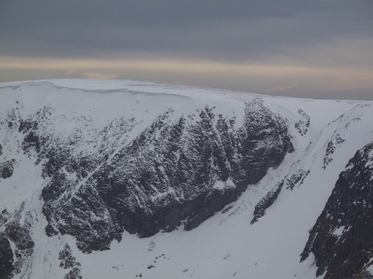 Caenlochan, still has fairly large cornices.