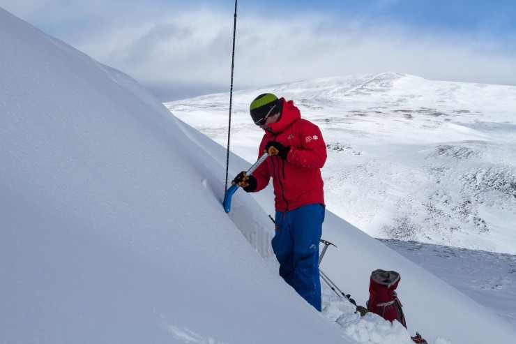 The pit site was on the East face of Glas Maol.
