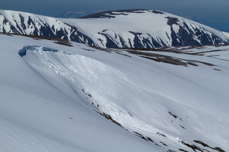 Cornice collapse on Monadh Mor.