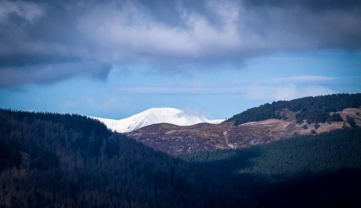 A clear start over the Cairngorms.